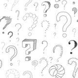 Porciones de signos de interrogación en el tablero blanco, modelo inconsútil Imagen de archivo libre de regalías
