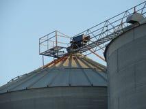 Porciones de un elevador de grano abandonado Imagenes de archivo