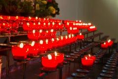 Porciones de velas de la iglesia Imagen de archivo