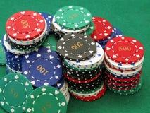 Porciones de virutas de póker imagen de archivo libre de regalías