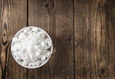 Porcja biały cukier w pucharze Zdjęcia Royalty Free