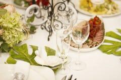 Porcja gość restauracji, poślubiający ucztę Pięknie projektował décor i d Fotografia Royalty Free