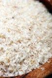 Porcja Psyllium ziarna na nieociosanym ciemnym tle Psyllium se fotografia stock
