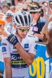 Pordenone, Italien am 27. Mai 2017: Berufsradfahrer Adam Yates Orica Team, im weißen Trikot, in der ersten Linie Lizenzfreie Stockfotografie