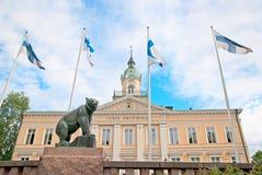 Pori finland Câmara municipal e urso velhos de Pori imagem de stock royalty free