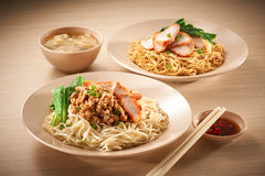 pork för bbq-matmalaysia nudel royaltyfria foton