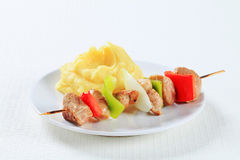 Pork skewer with mashed potato Royalty Free Stock Photos