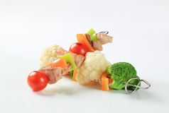 Pork and vegetable skewers Royalty Free Stock Images