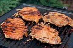 Porkneck briet auf elektrischem Grill Lizenzfreies Stockbild