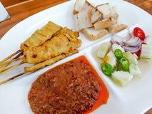 PorkSatay thailändsk mat royaltyfria bilder