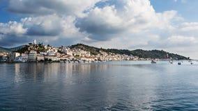 Poros öpanorama, Grekland Arkivbilder