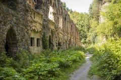 Porosłe ruiny stary miasto obrazy royalty free