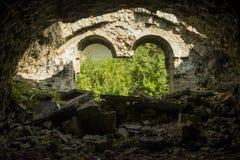 Porosłe ruiny stary miasto obraz stock