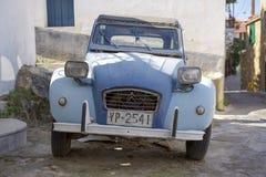 Poros Grecja, Wrzesień, - 27: Retro samochód na Wrześniu 27, 2014 wewnątrz Fotografia Stock