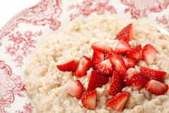 Porridge con la fragola Fotografia Stock Libera da Diritti