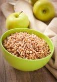 Porridge del grano saraceno in una ciotola Fotografia Stock