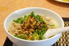 Porridge del riso con carne di maiale tritata immagine stock libera da diritti