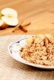 Porridge della cannella del Apple fotografia stock