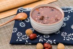 Porridge di Laba, porridge di Babao, un piatto gastronomico in Cina del Nord fotografia stock