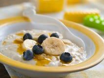 Porridge för behandla som ett barn arkivbilder