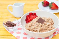 Porridge with fresh strawberry Stock Photography