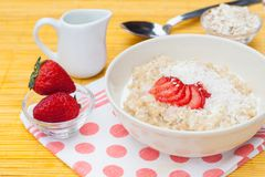 Porridge with fresh strawberry Royalty Free Stock Images