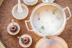 Porridge rassodato della prima colazione tailandese Fotografie Stock