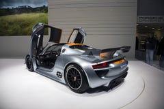 Porsche 918 RSR que compite con el híbrido del laboratorio Imágenes de archivo libres de regalías