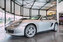 Porsche Boxster-cabriolet in een toonzaal, Turnhout, België Stock Afbeelding
