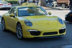 Porsche Carrera auf Anzeige stockfotos