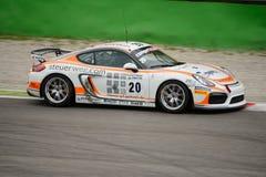 Porsche Cayman Clubsport GT4 samochodowy ścigać się przy Monza Zdjęcie Stock
