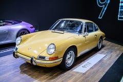 Porsche 911 de glanzende en glanzende oude klassieke retro auto van F 1968 stock afbeelding