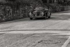 PORSCHE 356 EN FARTDÅRECARRERA 1500 GT 1957 Arkivfoto