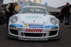 Porsche filiżanka przy biegowym śladem Obraz Stock