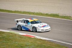 Porsche 911 GT3 kopp ( Typ 996) på Monza Royaltyfria Bilder