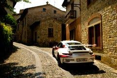 Porsche 911 GT3 RS i Castell ` Arquato Arkivfoto