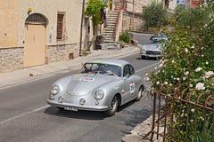 Porsche 356 1500 (1953) kör i Mille Miglia 2014 Royaltyfri Fotografi