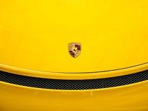 Porsche logoslut upp arkivbild