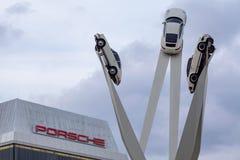 Porsche muzeum na Porscheplatz w Zuffenhausen fotografia royalty free