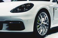 Porsche Panamera 4 e-bland 2017 arkivbilder