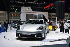 Porsche Panamera 4S i Bangkok den internationella Thailand motoriska showen Royaltyfri Fotografi