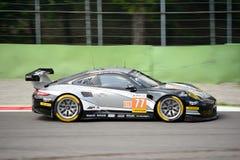 Porsche 911 RSR στη διαδρομή στο κύκλωμα Monza Στοκ Φωτογραφίες