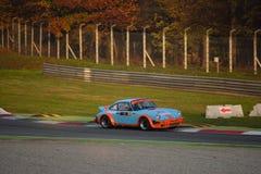 Porsche 911 SC samlar bilen på Monza Arkivfoton