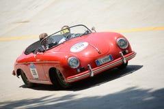 1955 Porsche 356 Snelheidsmaniak 1500 in Mille Miglia Royalty-vrije Stock Afbeeldingen