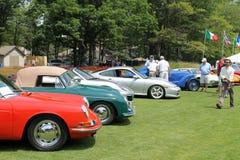 Porsche sportbilar i en line up Arkivfoton
