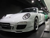 Porsche 911 Sportschrijver uit de klassieke oudheid in Porsche-museum Royalty-vrije Stock Foto