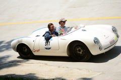 Porsche 1955 550 Spyder på Mille Miglia Royaltyfri Foto