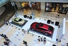 Porsche toont in winkelcomplex Royalty-vrije Stock Fotografie