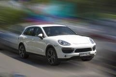 Porsche vit bil fotografering för bildbyråer