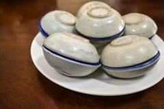 Porseleinkop van Khanom Thuai of Thaise Kokosnotenvla, Thais Dessert stock fotografie